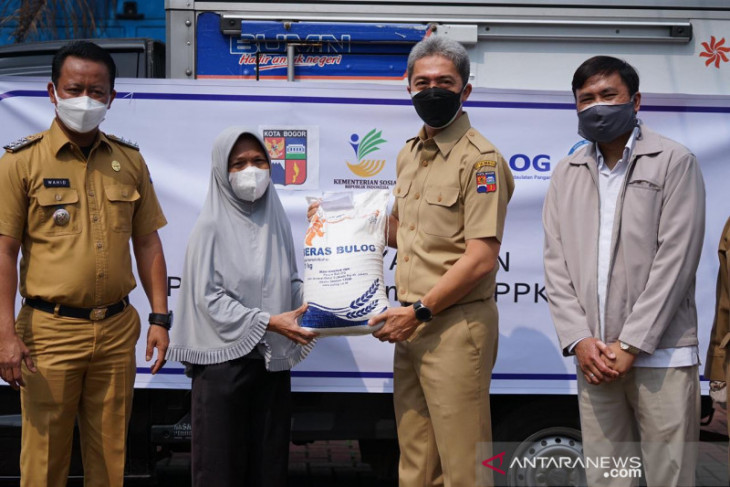 Pemerintah beri bantuan 115.000 paket beras untuk KPM di Kota Bogor