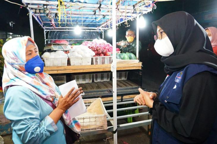 Pemkab Banyuwangi mulai salurkan bantuan uang tunai untuk warung kecil dan PKL