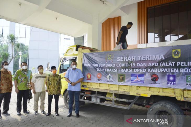 DPRD Bogor urunan 60 ton beras untuk warga terdampak PPKM darurat