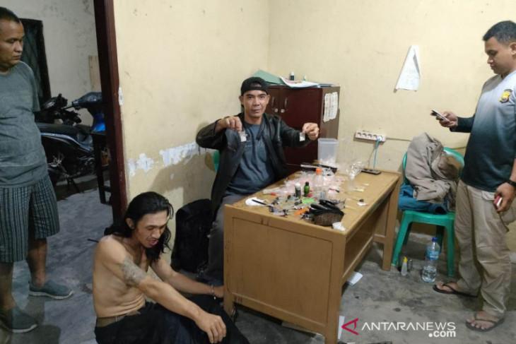 Polisi tangkap pengedar upal-narkoba di pedesaan Rejang Lebong