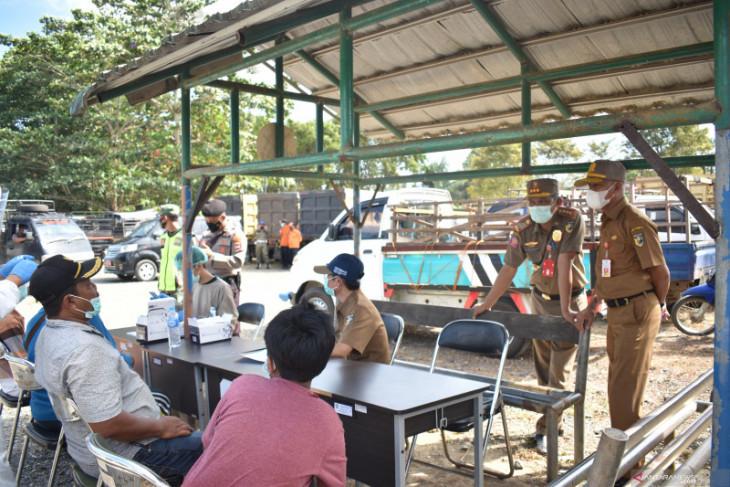 Tim gabungan temukan lagi 28 orang tanpa masker di Pasar Hewan Pelaihari