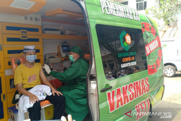Kabupaten Bogor luncurkan mobil khusus vaksinasi untuk jangkau warga di pelosok