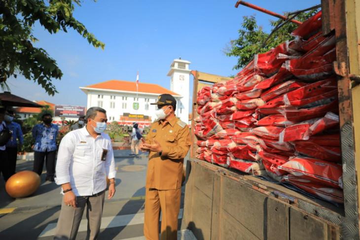 Pemkot Madiun distribusikan sebanyak 139 ton beras bantuan PPKM Darurat