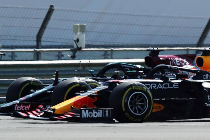 Bos Red Bull  sebut Hamilton membahayakan nyawa Verstappen