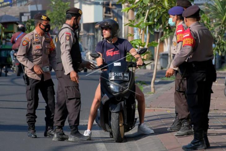 Operasi yustisi PPKM Darurat di kawasan wisata