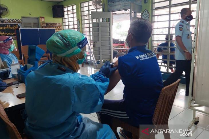 1.799 warga binaan Lapas Bekasi disuntik vaksin COVID-19