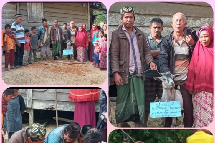Warga Sarasi Dua sembelih hewan kurban Syahrul Pasaribu