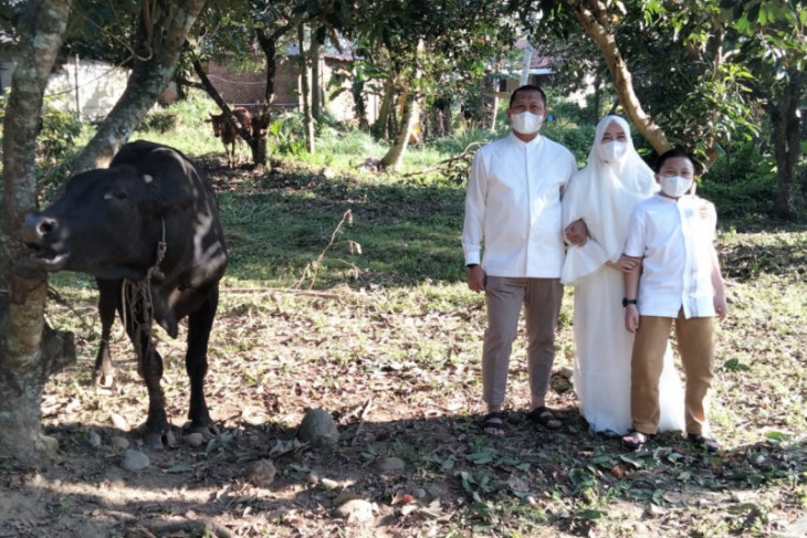 Polres Binjai sembelih delapan ekor lembu, 11 ekor kambing pada Idul Adha 1442 H