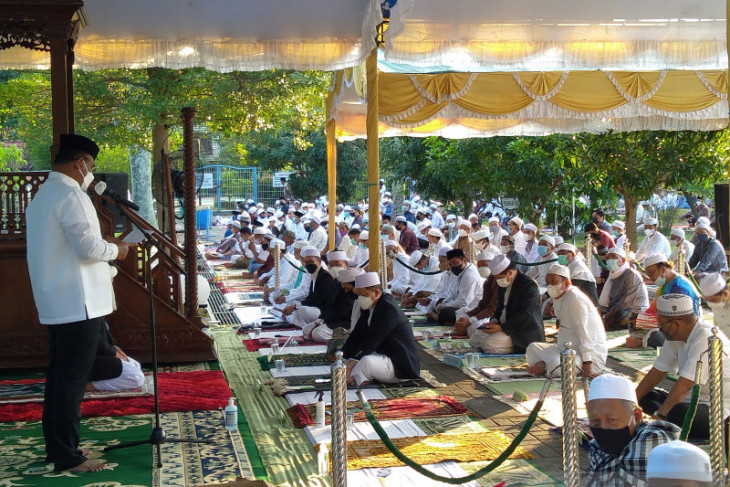 Pj Gubernur Kalsel imbau saling nasehati Prokes diperayaan Idul Adha