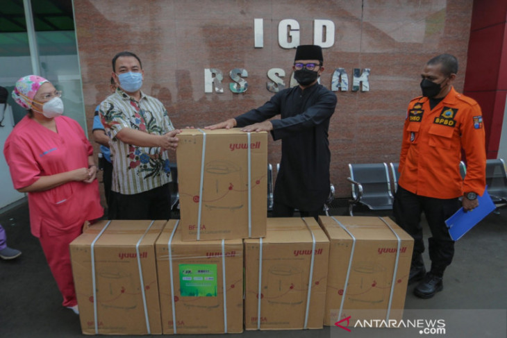 Bima Arya distribsuikan 100 unit bantuan oksigen konsentrator ke rumah sakit