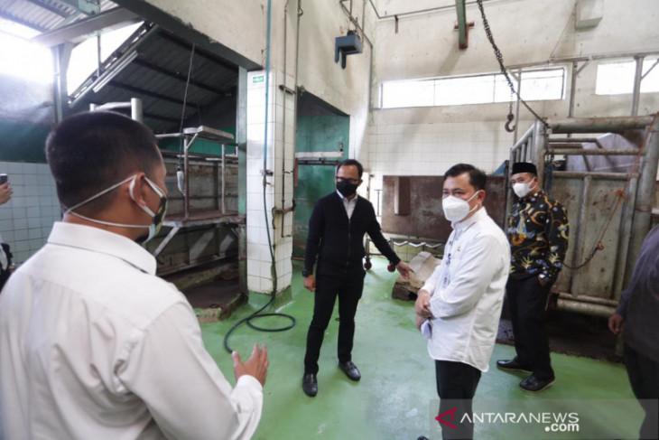 RPH Bubulak Kota Bogor terima permintaan pemotongan 400 ekor hewan kurban