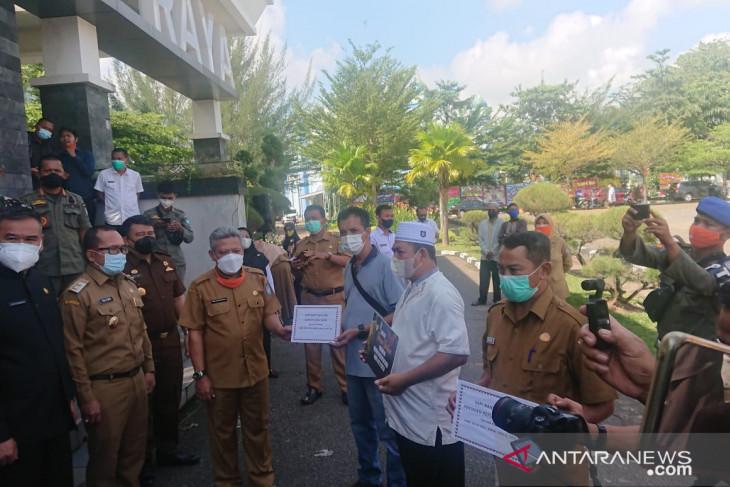 Bupati pastikan 16.625 KPM di Kubu Raya sudah terima dana bansos