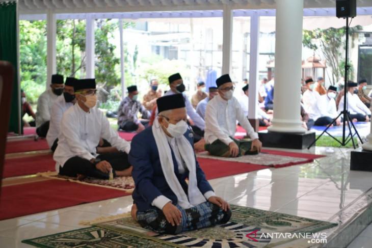 Wapres: Idul Adha identik  dengan pengorbanan dan keikhlasan