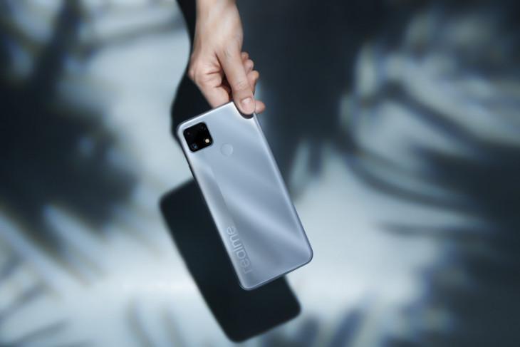 Ponsel realme bawa C21Y dan C25s ke Indonesia