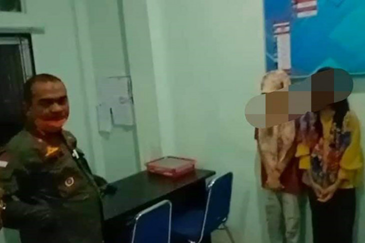 Dua remaja putri ditangkap, sekamar dengan laki-laki tanpa ikatan nikah