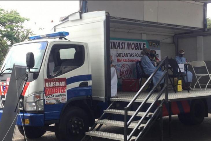 Mobil vaksin keliling untuk mempercepat vaksinasi masyarakat