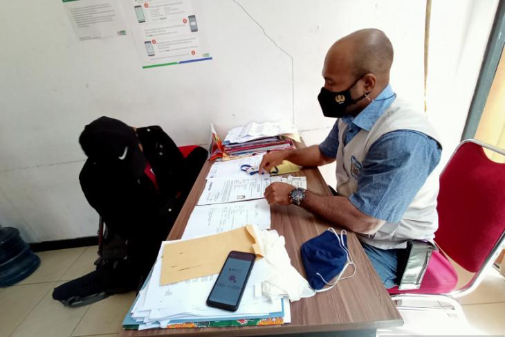 Seperti Ternate petugas temukan penggunaan dokumen tes usap COVID-19 palsu di Bandara Sorong
