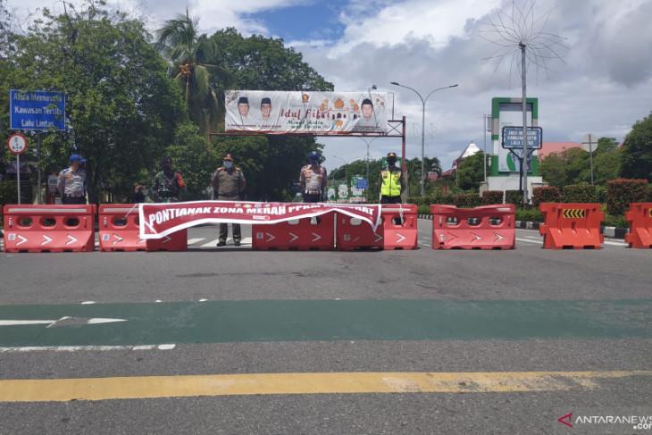 Pemerintah Kota Pontianak akan kurangi penyekatan jalan selama PPKM