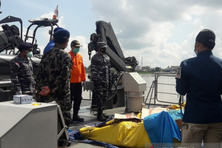 Sebanyak 33 nelayan korban kapal tenggelam belum ditemukan