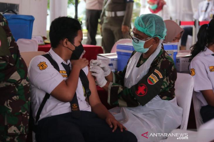 DPRD Medan minta Disdik lakukan  terobosan vaksinasi pelajar