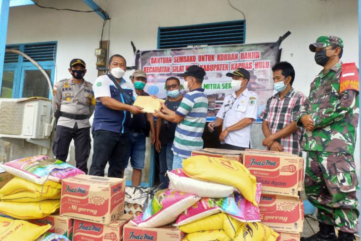 Perusahaan sawit PT PMS bantu korban banjir di Kapuas Hulu