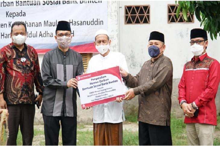 Idul Adha, Bank Banten Salurkan Kurban ke Masjid Banten Lama