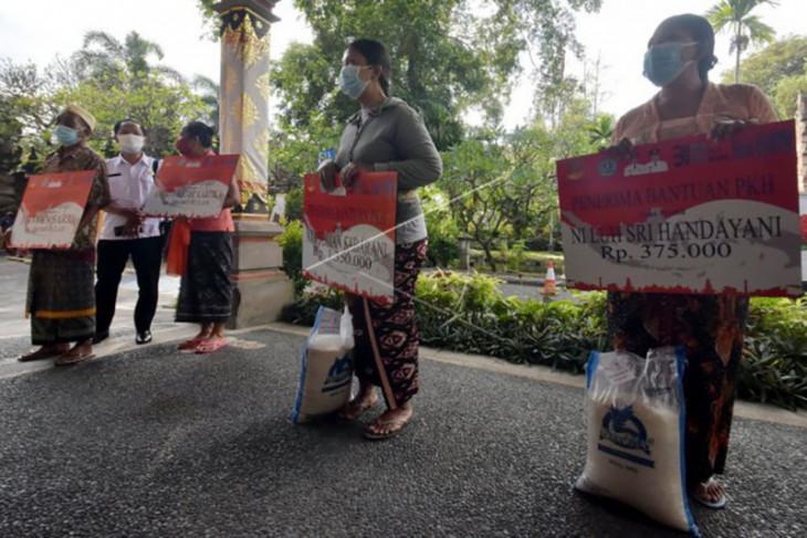 Bantuan mulai disalurkan untuk masyarakat di Denpasar