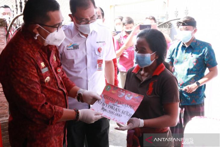 Pemkab Tabanan salurkan bansos PPKM ke warganya