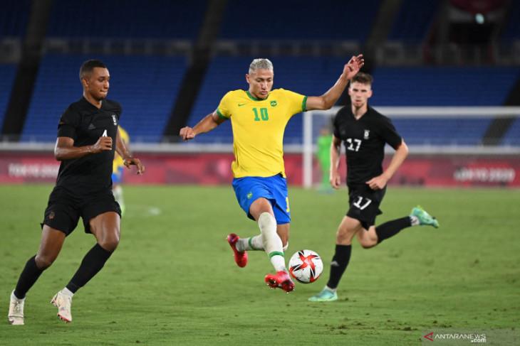 Brazil hajar Jerman 4-2 di laga perdana Grup D