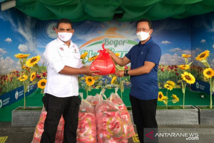 Mal BTM bagikan paket sembako kepada warga Kota Bogor yang jalani isoman