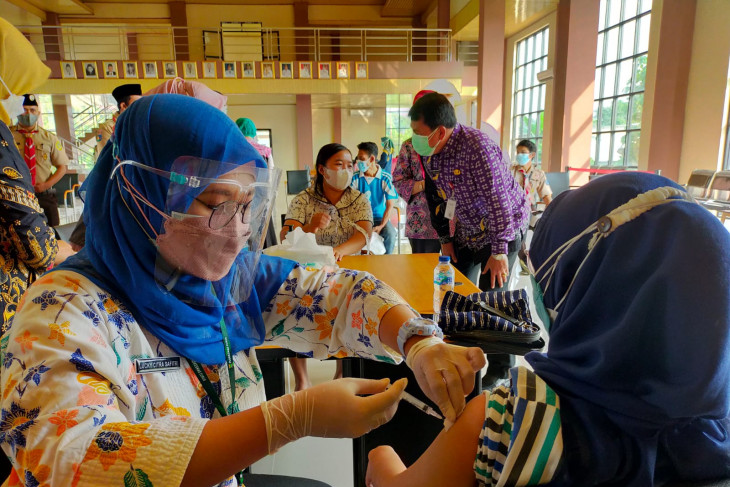 1.557 siswa SMP di Tangerang terima suntikan vaksinasi COVID-19
