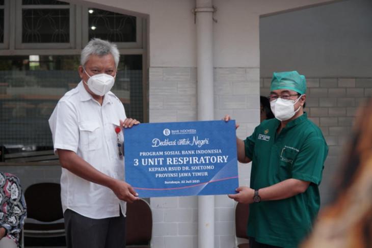 BI Jatim bantu enam alat terapi oksigen kepada RSUD Soetomo Surabaya