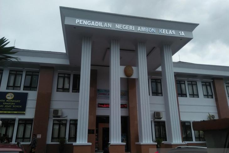JPU tiga terdakwa kasus korupsi taman Kota Saumlaki didakwa rugikan negara Rp1 Milar lebih