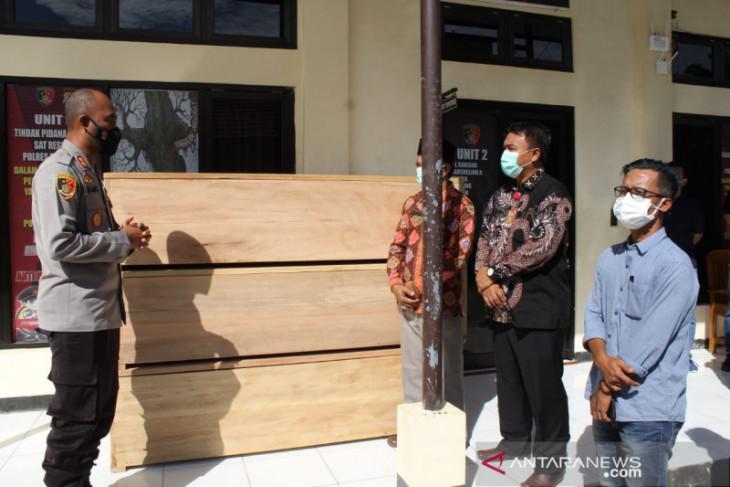 Polisi serahkan peti mati ke RSUD Mukomuko