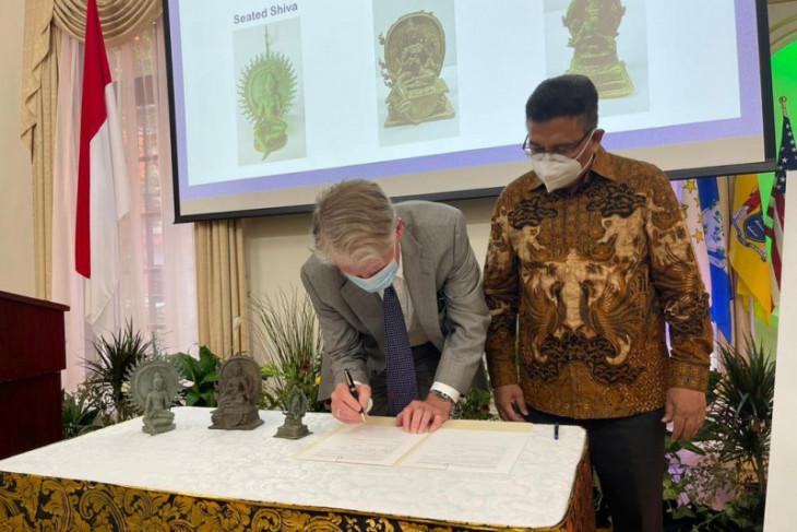 AS kembalikan tiga benda cagar budaya Indonesia miliaran rupiah