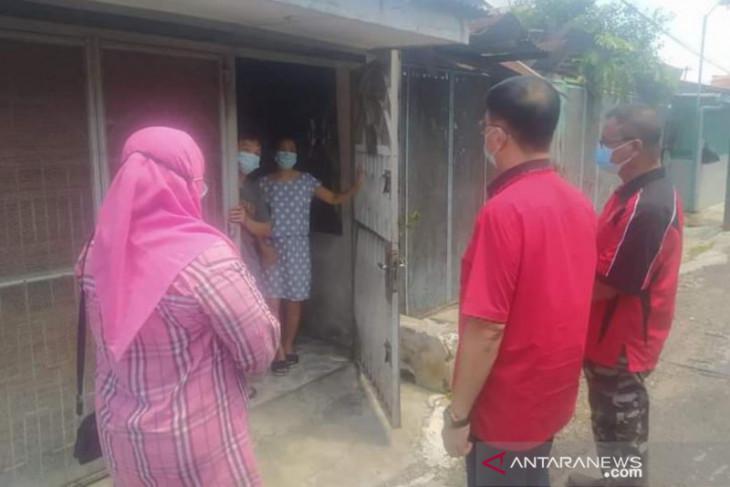 Ketua DPRD Medan semangati  warga jalani isolasi