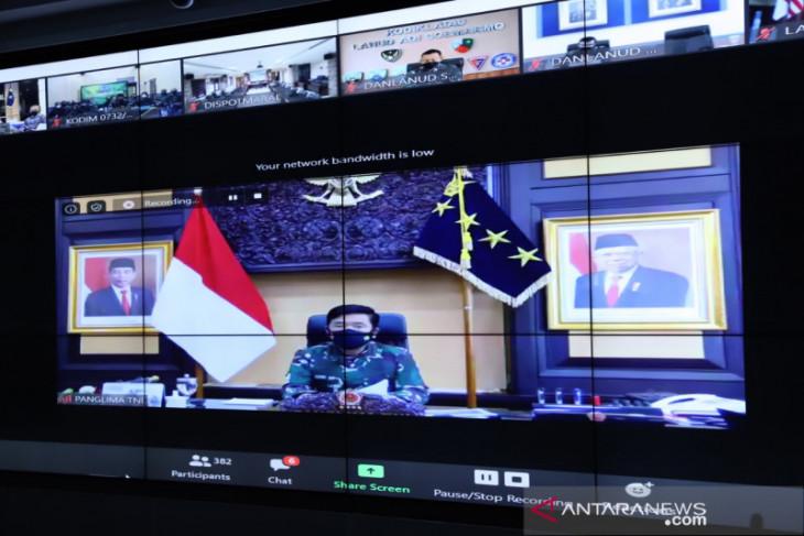 Panglima TNI instruksikan jajarannya percepat vaksinasi dan distribusi obat