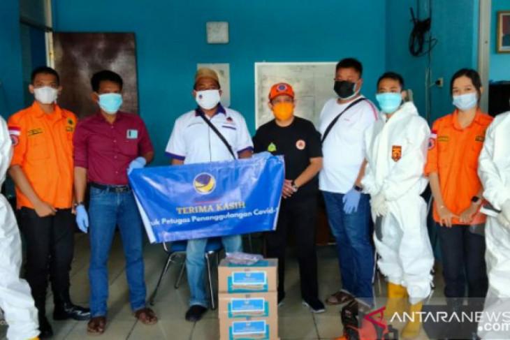 NasDem Belitung salurkan bantuan vitamin kepada petugas penanggulangan COVID-19