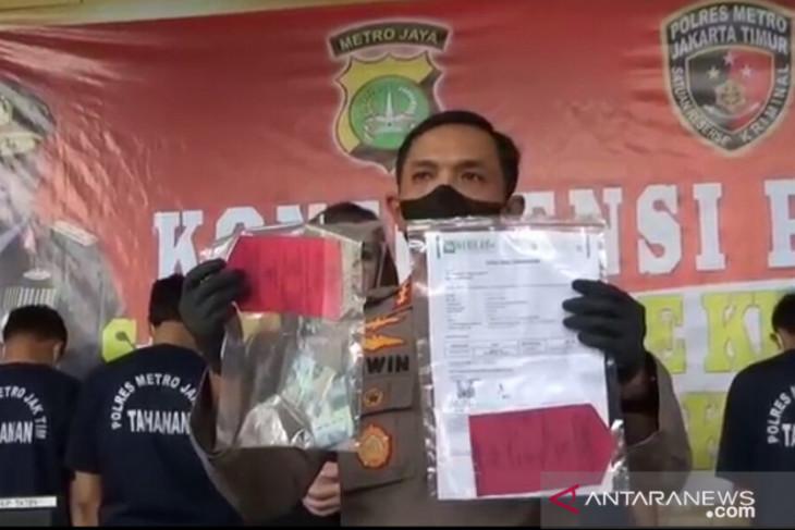 Polisi tangkap lima orang terkait surat PCR palsu