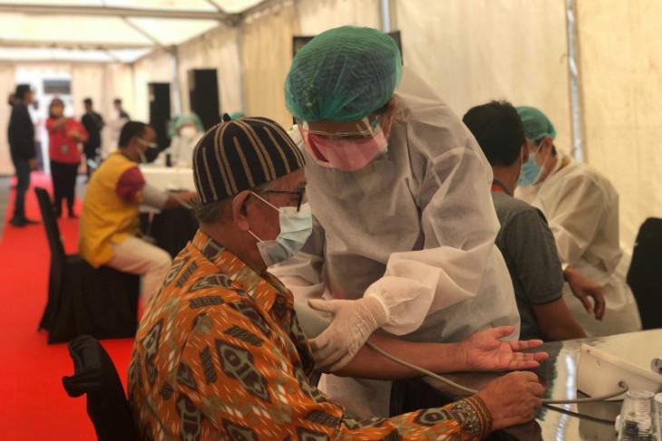 Kolaborasi Kemenparekraf dan swasta percepat distribusi vaksin COVID-19