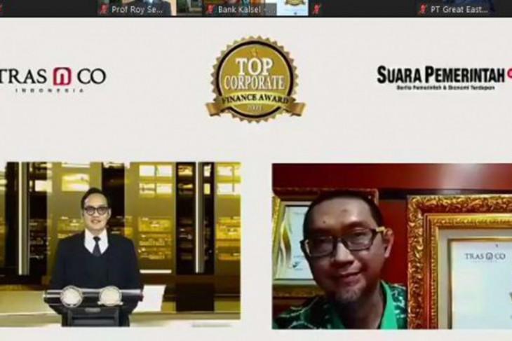 Bank Kalsel memperoleh penghargaan Top Corporate Finance