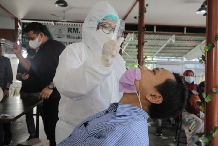 PLN Sumut laksanakan pemeriksaan  rapid antigen