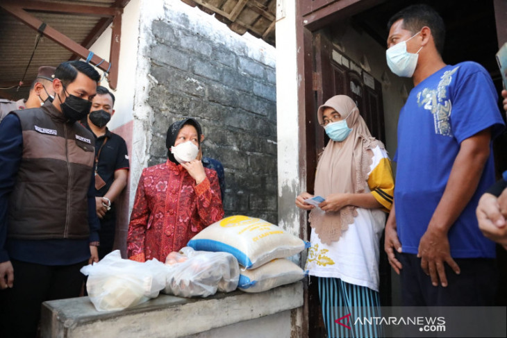 Mensos Risma minta masyarakat Tuban ikut aktif putus mata rantai COVID-19