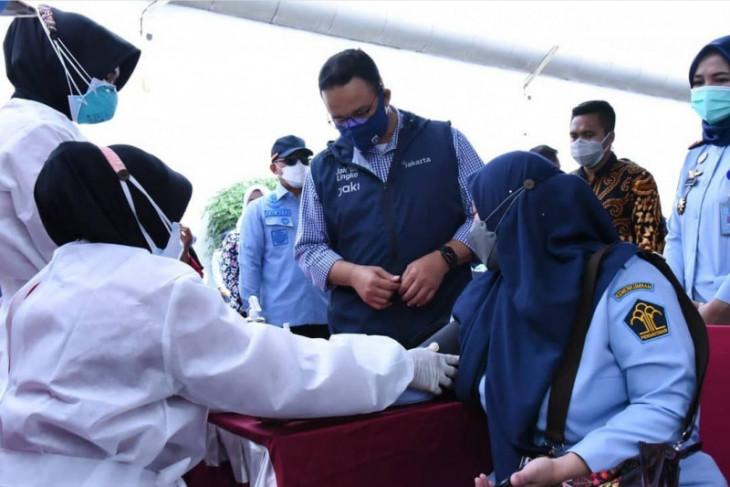 Vaksinasi dosis pertama di Jakarta sudah capai tujuh juta, kata Anis
