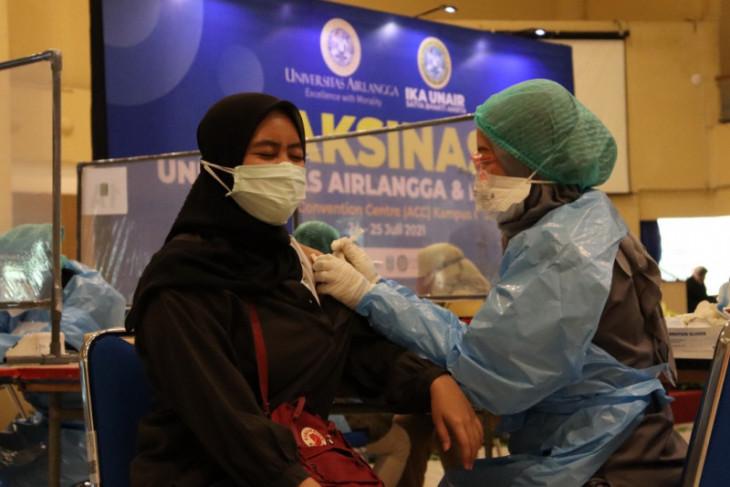 Unair gandeng RSUA dan IKA UA gelar vaksinasi COVID-19