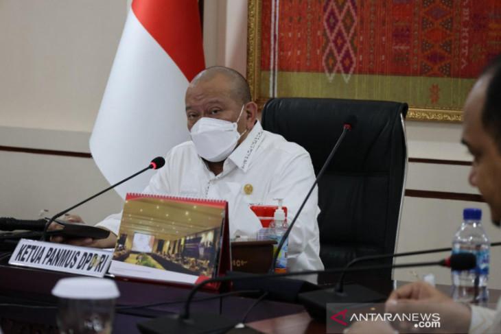 Ketua DPD: Tindak tegas pelaku pungutan liar bansos tunai