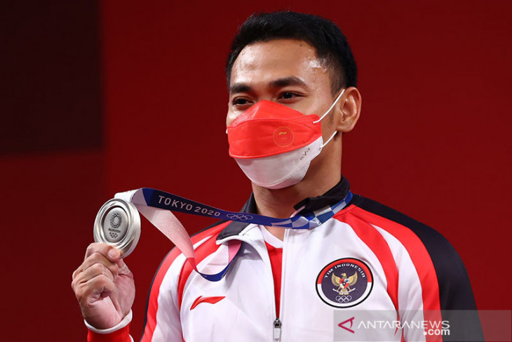 Olimpiade Tokyo: Lifter Eko Yuli Irawan sumbang perak untuk Indonesia
