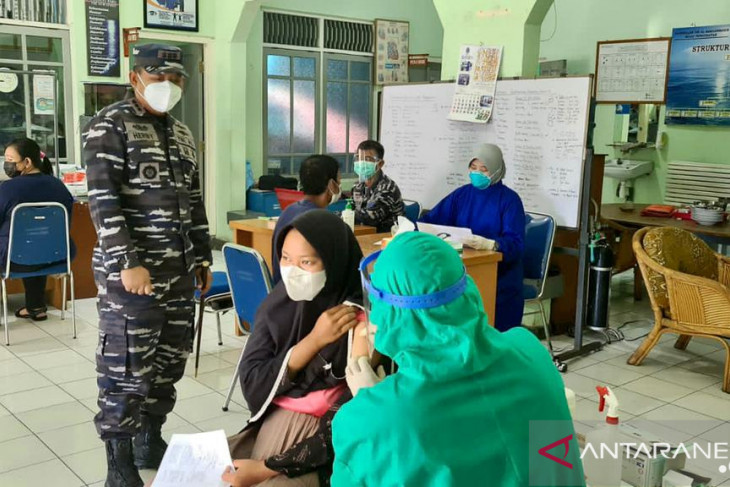 Layanan vaksinasi TNI AL jangkau 6.944 warga Kalsel