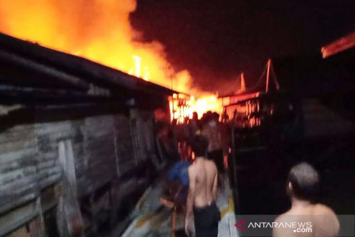 Polisi selidiki kebakaran hanguskan pulahan rumah di Palangka Raya