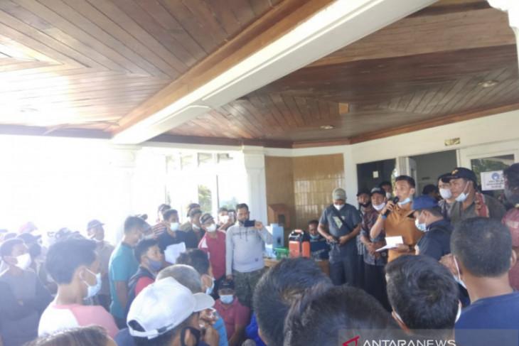 Ratusan warga Mukomuko demo perusahaan sawit